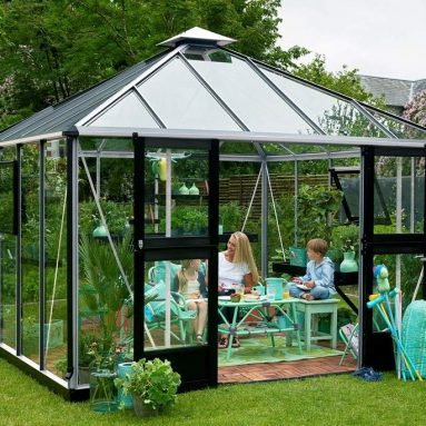Juliana Oasis Polycarbonate Greenhouse