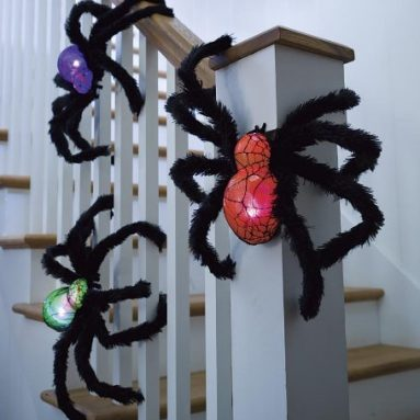 Light-Up Fuzzy Halloween Spiders
