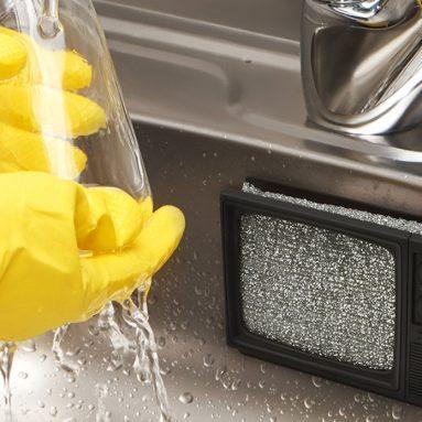 Static Clean TV Sponge Holder