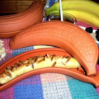 Terracotta clay banana baker witk lid