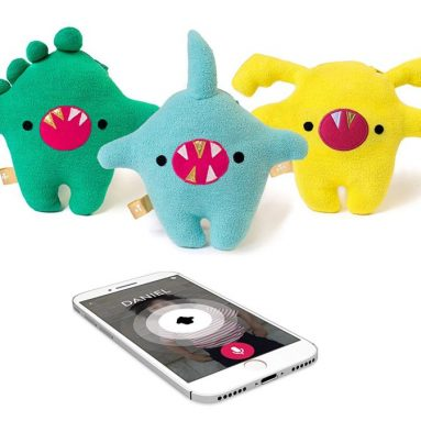 Voice chat smart toy lets kids stay connected to you