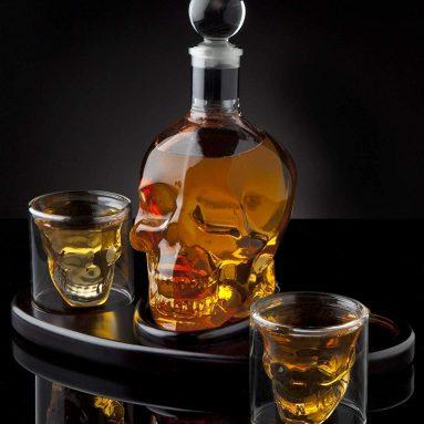 Whiskey Decanter Skull Set