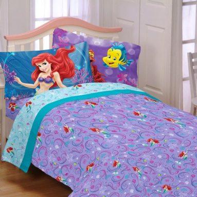 Disney  5pc Bedding Comforter and Sheet Set