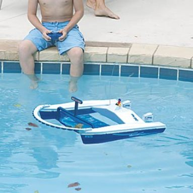 Remote Pool Skimmer