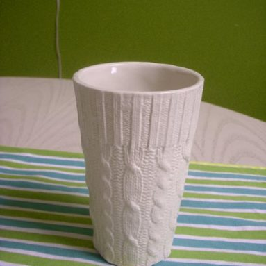 Cable knit ceramic cups